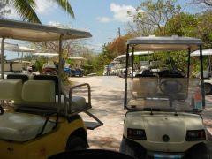 Parking by Sip-Sip & beach access