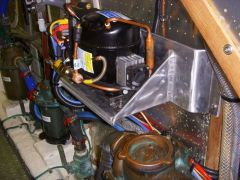 Mounting bracket for Frigoboat compressor