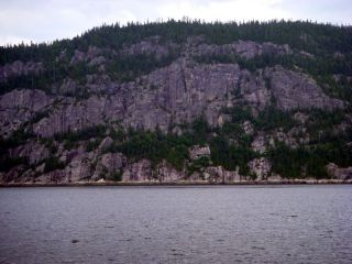 Cruise up Saguenay River (Fjord)