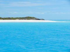 Sand bar at Pigeon Cay